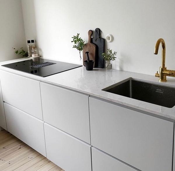 Köögitasapind kvartsist Carrara Quartz
