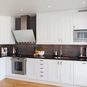 Black_Pearl_Kitchen Worktops
