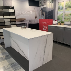 Kjøkken benkeplate i keramikk Larsen Super Blanco, ICE Blanco
