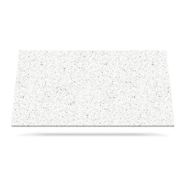 white mirror kvarts benkeplate kjøkken hvit