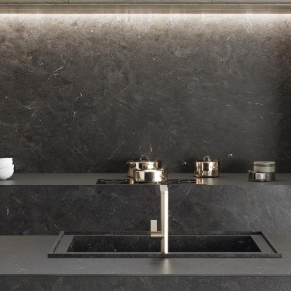 Köögisaar ja taustaplaad keraamikast Umbra Marron