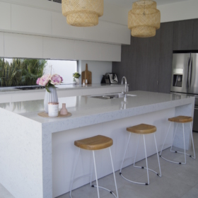 Keittiötaso kvartsista Noble Carrara