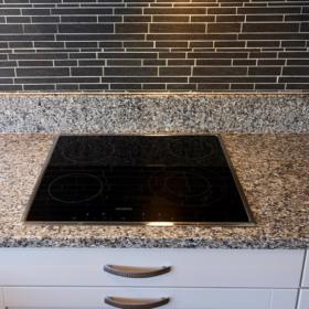 Keittiötaso valmistettu graniitista Bianco Sardo
