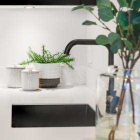 Køkkenbordplade lavet af kvarts White Quartz